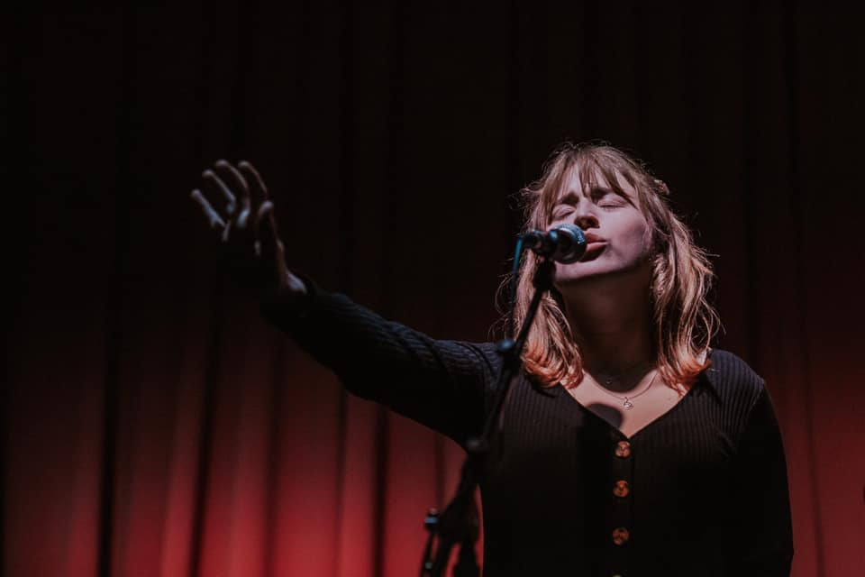 Photograph of Georgie Currie performing at The Wesley Anne. Image Credit: SPP Simon Pickering Photography (2019)